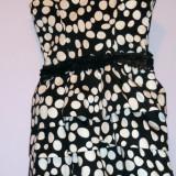 Rochie cu buline alb-negru
