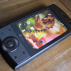 Telefon inteligent HTC Touch Cruise cu sistem de operare ANDROID: wireless wifi, navigatie GPS, camera 3.2megapixeli - Telefon HTC, Gri, <1GB, Neblocat, Single core, 128 MB