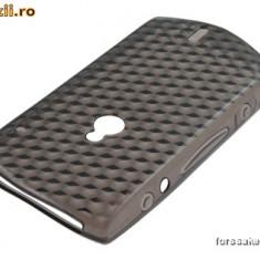 Husa Sony Ericsson Xperia NEO Mt15i Texturata smoke !!!LICHIDARE DE STOC!!!