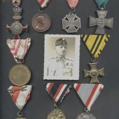WW.I.+II. Ungaria LOT 9 bucati decoratii militare si fotografia ofiterului decorat cu cele 9 decoratii in piept - Ordin/ Decoratie
