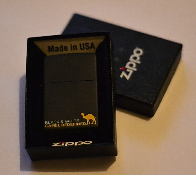 "Bricheta ""ZIPPO CAMEL""  2007 Originala Cutie Sigilata Garantie pe Viata-Made in USA= foto mare"