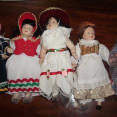 Papusa ceramica/portelan noi, h25cm, vestimentatie traditionala din diverse regiuni al lumii. - Papusa de colectie
