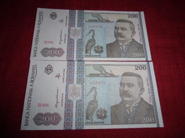 2 BANCNOTE DE 200 LEI 1992 SERII CONSECUTIVE MOKAZIE DE LA 1 EURO foto mare