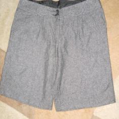 Pantaloni dama H&m, Scurti - NEW LOOK - PANTALONI SCURTI DIN STOFA, NR.40, CA NOI, GERMANIA