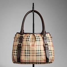 Vand poseta Burberry ORIGINALA, model small-haymarket-check-tote-bag - Geanta Dama Burberry, Geanta de umar, Coffee, Piele, Medie