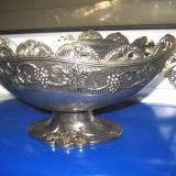 Fructiera cosulet gen carafa din metal cu model floral vita de vie, - Metal/Fonta