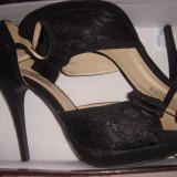 Pantofi dama Miss Sixty, negri, cu toc, decupati, cu fundita, purtati o singura data, Marime: 39, Negru