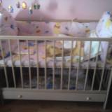Patut copii din lemn lacuit, cu saltea, lenjerie si jucarie inclusa - Patut lemn pentru bebelusi, 120x60cm