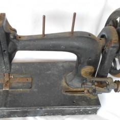 MASINA DE CUSUT ENGLEZEASCA SHUTTLE SEWING MACHINE