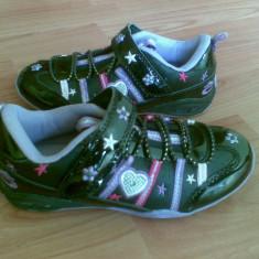 Adidasi din piele firma Bobbi Shoes marimea 30, sunt noi! - Adidasi copii, Culoare: Negru, Fete