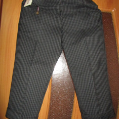 Pantaloni dama, Trei-sferturi - Pantaloni trei sferturi in carouri noi!