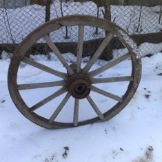 Roti de caruta rustica din lemn - Mobilier