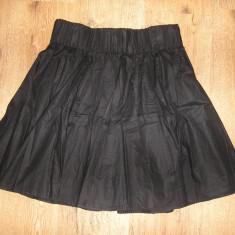 SUPER PRET ! Fusta plisata H & M material texturat talie pe elastic Sz 38!, Culoare: Negru, Midi, Bumbac