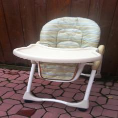 Scaun solid pentru luat masa primii pasi