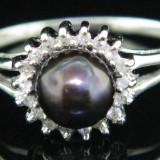 Inel aur alb cu diamante si perla neagra