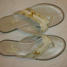 Papuci Louis Vuitton - Slapi dama Louis Vuitton, Marime: 36, 37, 38, Culoare: Crem, Marime: 36, Crem