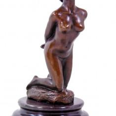 Sculptura, Nuduri, Bronz - NUD DE FEMEIE- STATUETA DIN BRONZ PE SOCLU DIN MARMURA