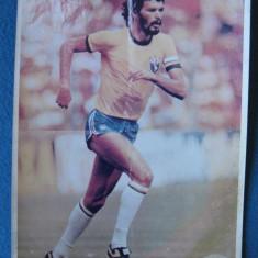 Fotografie jucator brazilian ( posibil Socrates) perioada anilor ' 80