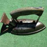 Vechi fier de calcat vintage