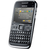 Nokia E72 folosit, arata de 8, 5, de culoare argintiu - Telefon mobil Nokia E72, Neblocat