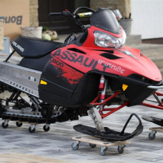 ATV - Snowmobil POLARIS ASSAULT 800 RMK