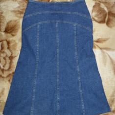 Fusta blugi de la H&M; marime 34: 70 cm talie, 62 cm lungime; impecabila, ca noua