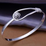 Bratara argint 925 cu inchizatoare element trandafir; 6 cm diametru