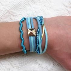 Bratara Fashion - Set bratari handmade format din bratari: snur satinat albastru turquaz, faux suede albastru si aqua cu accesorii aurii, margele de nisip, snur cerat.