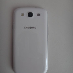 Samsung galaxy s III defect - Telefon mobil Samsung Galaxy S3, Alb, 32GB, Neblocat, Quad core, 1 GB