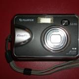 Fujifilm FinePix A370 5.2 MP Digital Camera - Silver
