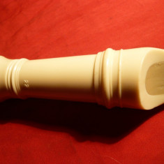 Flaut Alb bachelita cca.1950, Anglia, L=35 cm