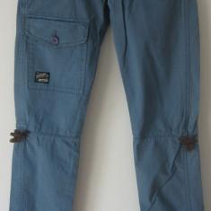 Pantaloni de vara Superdry originali 100%, slim fit, bumbac 100%, S, noi cu etichete - Pantaloni dama Superdry, Marime: S, Culoare: Albastru, Lungi