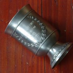 Metal/Fonta - Pahar / Cupa din zinc ornament coroana de lauri - gravata - 1983 - SKS design !