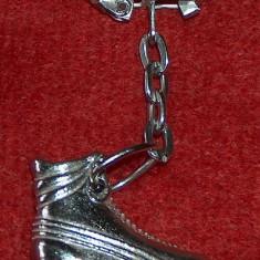 Metal/Fonta - Breloc / port-chei metalic, in formă de role (patine cu rotile)