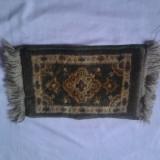 SET 2 COVORASE PERSANE LUCRATE MANUAL - tesatura textila