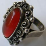 Inel vechi din argint cu chihlimbar de dimensiuni mari - de colectie