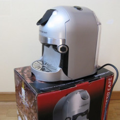 Vand schimb Expresor Zepter - ZE-PRESSO CAFÉ, nou, In stare excelenta - Espressor Cu Capsule Alta, Capsule, 19 bar, 1.1 l, 450 W
