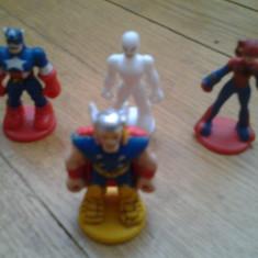 Set Colectie 4 Figurine Marvel Comics super heroes benzi desenate Spider Man Fantastic Four Captain America Thor Silver Surfer miniaturi - Figurina Desene animate