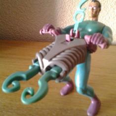 Figurina The Riddler din Batman villain cu arma care trage cu o torpila in forma de semnul intrebarii logo detaliata comics originala Kenner 1994 - Figurina Desene animate