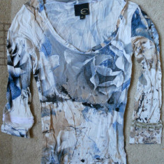 Bluza dama Just Cavalli XS/S Originala! Model floral - Bluza dama Roberto Cavalli, Culoare: Multicolor, Maneca 3/4, Universala, Microfibra