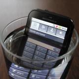 Motorola Defy - Telefon mobil Motorola Defy, Negru, 2GB, Neblocat, Single core, 512 MB