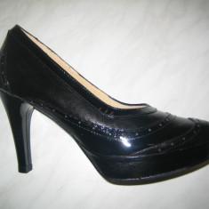 Pantofi de dama cu toc;cod 857;marime:35-39 - Pantof dama, Marime: 36, 37, 38, Culoare: Negru, Piele naturala