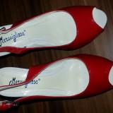 Sandale cu platforma rosii de lac