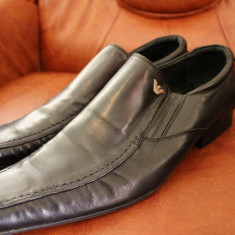 Pantofi din piele marca Georgio Armani - Pantofi barbati Giorgio Armani, Marime: 44, Culoare: Negru, Piele naturala, Negru