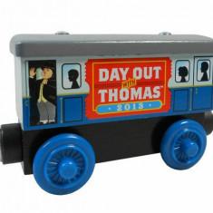 Trenulet de jucarie, Lemn, Unisex - Wooden locomotiva jucarie Thomas - DAY OUT WITH THOMAS 2013 vagon lemn magnet