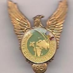 Insigna-PRIMUL COSMONAUT ROMAN