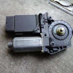 Vand motoras macara usa fata stanga VW Passat 3B3 - Motoras macara geam, Volkswagen, PASSAT (3B3) - [2000 - 2005]