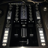 Mixere DJ - Vand mixer Traktor Z2 pret 600 euro
