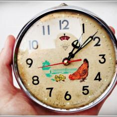 Ceas de mana - CEAS DE MASĂ DEȘTEPTĂTOR, MADE IN SHANGHAI, GĂINA CIUGULEȘTE LA SECUNDĂ, VECHI!