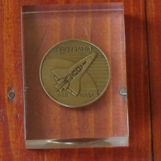 Medalie montata in plexiglas NASA, Spacelab 1 Mission - 1983 Rara !!!!